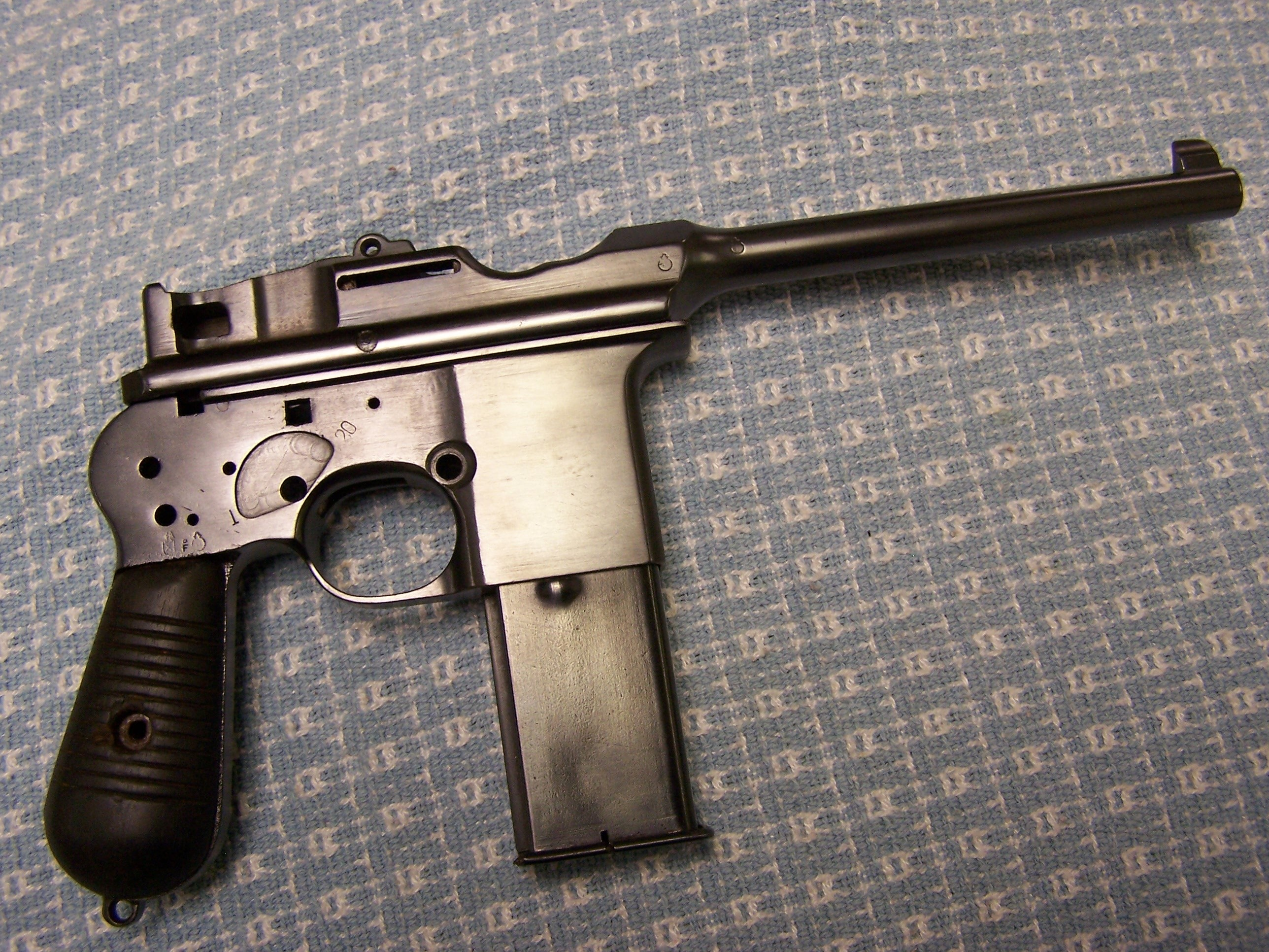 ASTRA 903 7.63mm BROOMHANDLE MACHINE PISTOL, FORM 4 TRANSFERABLE