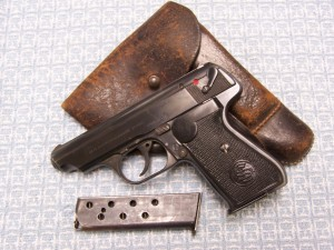 SAUER 38H EARLY DOUBLE E/37 W/1940 HOLSTER & 2 MAGS
